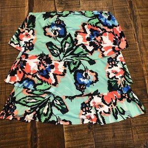 Boutique brand Veronicam tiered strapless top